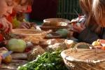 Zusammen Kräuter- Suppe kochen